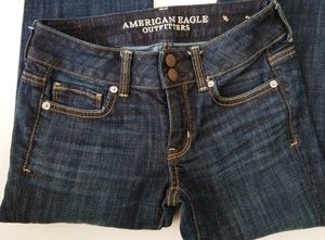 American Eagle Outfitters Artist Crop